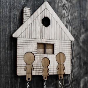 Dom na kluczy - Ojciec, córka, mama