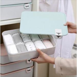 Plastikowy organizer na bieliznę z przegródkami
