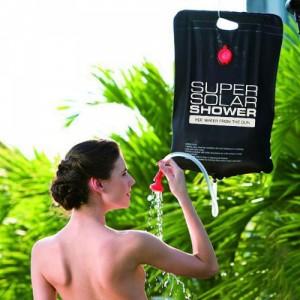 Solární sprcha na cesty